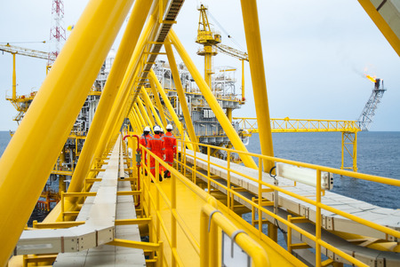 oilrig: worker on offshore rig