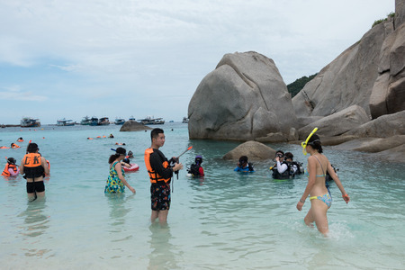 SURAT THANI, THAILAND - SEPTEMBER 29 : unidentifed tourist learning scuba diving at Koh Nang Yuan in Suratthani, Thailand, on September 29, 2017.