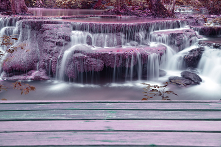 nant: Page plank with waterfall background pink surface