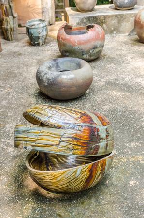 alfarero: Cer�mica, Potter, Mano humana, doi din Dang cer�mica Foto de archivo