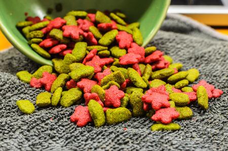 granules: Cat Food, granules