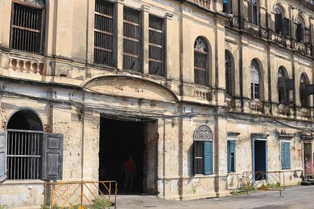 krung: Rustic Old Customs House in Bangkok