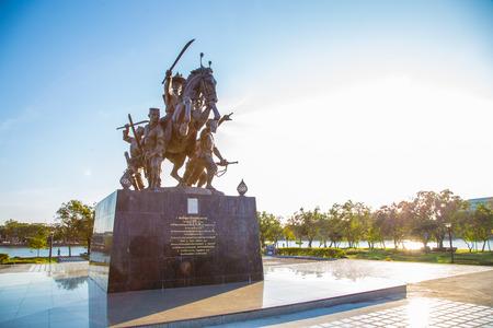 king of thailand: Statue of King Taksin , Chanthaburi , Thailand.