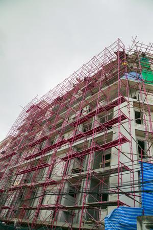 andamio: edificios andamios de construcción