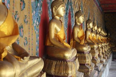 transcendental: Buddha statue in Wat Arun