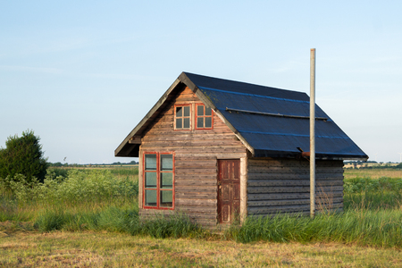 WOOD CABIN WITH NOONE