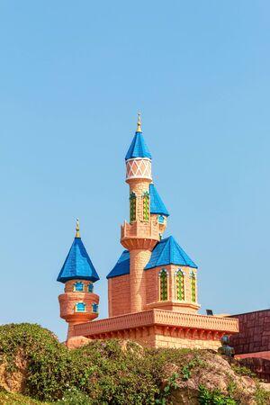 Pathumthani, THAILAND - December 11, 2017 : Beautiful castle in Dream world, amusement park in Thailand. Reklamní fotografie - 136770237