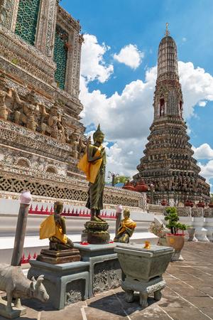 Big pagoda of Wat Arun temple. Redakční