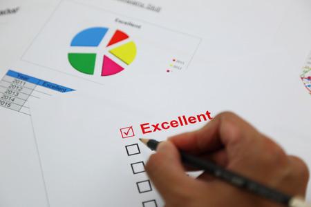 uitstekend: Uitstekende evaluatie. met uitstekende gecontroleerd, geselecteerd met de hand