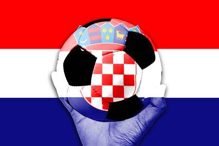 bandera croacia: Manejar la bola en el fondo de la bandera de Croacia