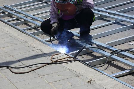soldadura: Trabajos de soldadura para el acero Foto de archivo