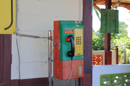 telefono antico: Colorato di Telefono antico.