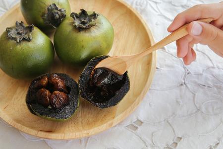 Australian Black Sapote 또는 Chocolate Pudding Fruit