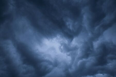 Zusammenfassung dunklen Wolken Hintergrund, Tonung