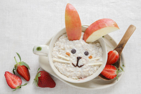 Bunny rabbit porridge breakfast , food art for kids 版權商用圖片