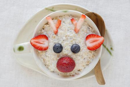 nosed: Rudolph The Red Nosed Reindeer porridge oatmeal breakfast , Fun Christmas food art for kids