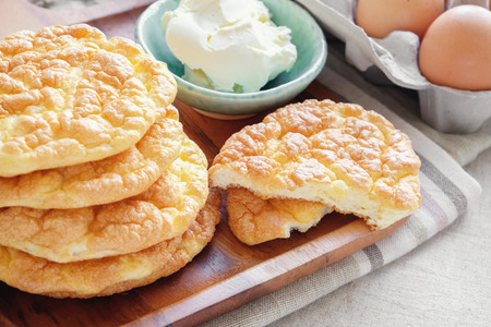 Pan de la nube, pan de Oopsie, ceto, dieta cetogénica, paleo, bajo en grasa y alta en carbohidratos