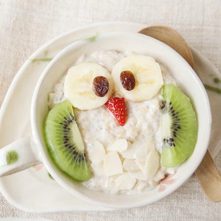 Owl porridge breakfast , Fun Christmas food art for kids
