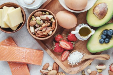 ケト、ケト原性ダイエット、低炭水化物、高い脂肪、健康食品