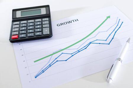 calculadora: Financiero gráficos que muestran el crecimiento de cerca con la calculadora