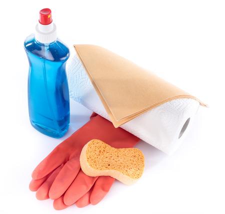 lavar trastes: Detergentes para los cristales con equipos de limpieza, aislado en blanco