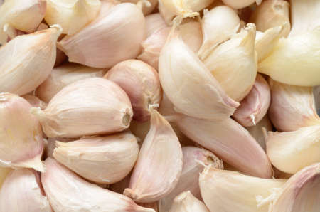 alliaceae: Close up of garlic on market stand Stock Photo