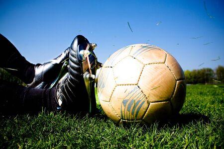 필드에 축구 또는 축구 선수 스톡 콘텐츠