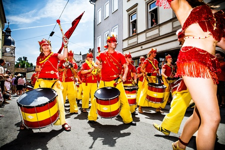 parades: COBURG, GERMANY - JULY 11: An unidentified samba musician participates at the annual samba festival in Coburg, Germany on July 11, 2010. Editorial