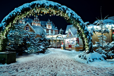 christmas market: Christmas market by night in Coburg, Germany