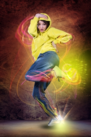 young woman in sport dress dancing zumba Banque d'images