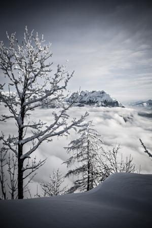 h�tte schnee: Pendling Punkt auf dem Schneeberg in den Alpen in der N?he Thiersee bei Kufstein in ?sterreich, Europa.