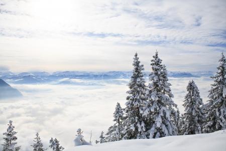 h�tte schnee: Pendling Punkt auf dem Schneeberg in den Alpen in der N�he Thiersee bei Kufstein in �sterreich, Europa. Lizenzfreie Bilder