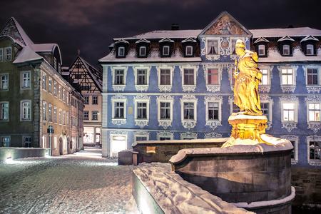Les scènes de nuit de hivernal Bamberg en Allemagne Banque d'images - 34443263
