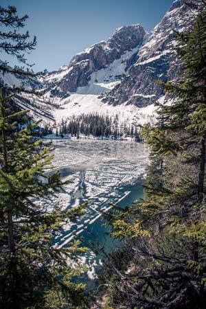 tirol: Lago di Braies alias Pragser Wildsee in South Tirol, Italy