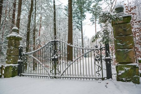 Wintry scenes of an old castle in Germany Imagens
