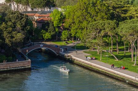 bridge and boat in Venice by the sea 版權商用圖片