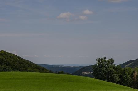 green hills landscape in spring Imagens
