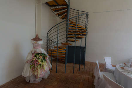 dress flowers and decoration at a wedding in a palace Archivio Fotografico