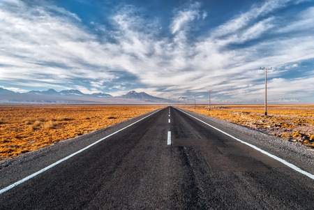 Open road Standard-Bild - 40980017