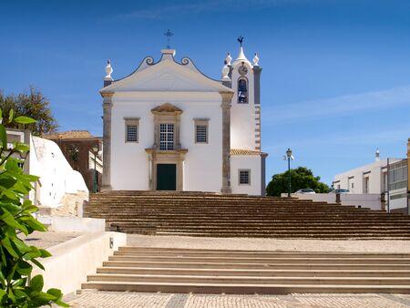 Church of Estoi north of Faro in the Portuguese region of the Algarve 版權商用圖片 - 47111233