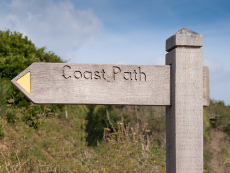 quin: Signpost without route indication on the cornish coast path between Port Quin and Port Isaac in north Cornwall