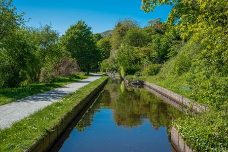 Scenic canal view of the Llangollen Canal near Llangollen, Wales,UK 版權商用圖片 - 138113398
