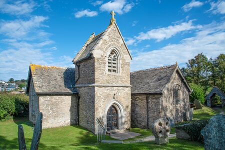 St Michael´s Church, situated in a unique position on the Camel Estuary in Rock, northern Cornwall, UK 版權商用圖片