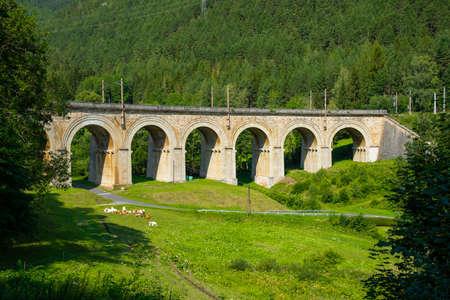 Viaduct over the Adlitzgraben on the Semmering Railway. 版權商用圖片