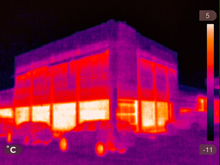Thermal picture of a small town in winter Imagens