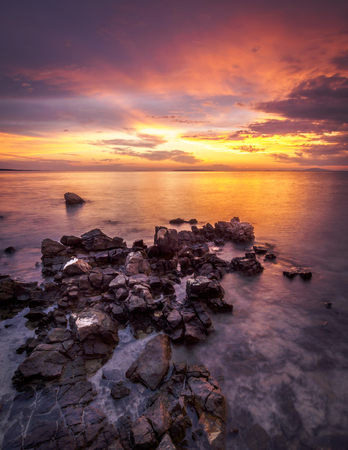 Amazing sunset with a beautiful sky on the island of Pag, Croatia 免版税图像