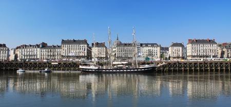 la: Quai de la fosse (Nantes - France)