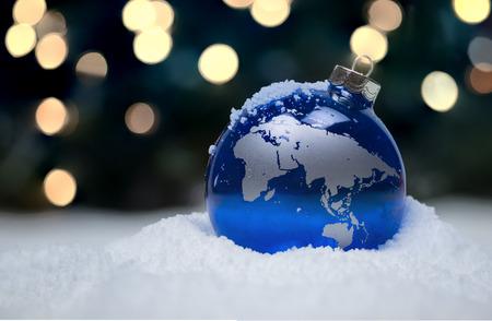 wereldbol: Christmas Ornament Stockfoto