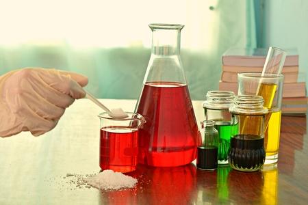 dropper: Laboratory experiments in scientific laboratories