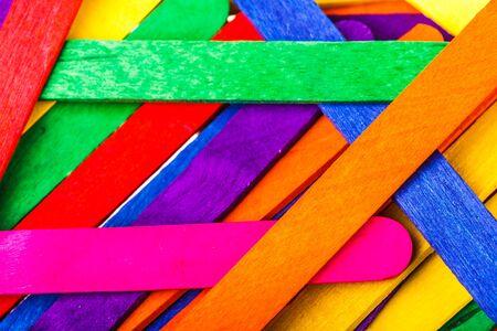 gelato stecco: in legno colorato bastone gelato Archivio Fotografico